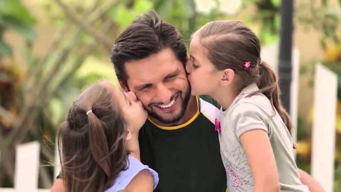#Pakistan #ShahidAfridi #T20   Shahid Afridi with his daughters Ajwa and Asmara - http://ift.tt/1ZZ3e4d