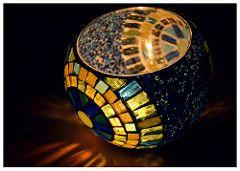 (Por Mechi Martínez Blanco) Etiquetas: arte color de luz arte del mosaico del mosaico porta velas diseo vidrio hogar luminarias artstico decoracin fanales akbal teselas venecitas mosaiquismo