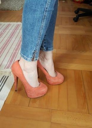 Kup mój przedmiot na #vintedpl http://www.vinted.pl/damskie-obuwie/platformy/12524716-topshop-sakura-platformy-zamsz-37  #sakura #topshop #platformy