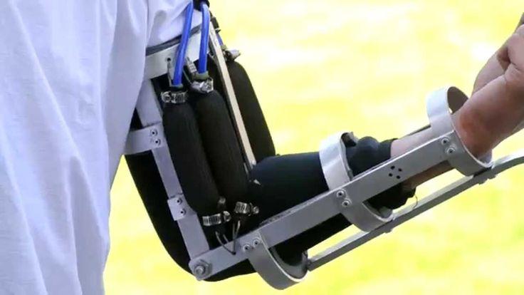 Nâng vật 10 kg chỉ như 1 kg với khung xương robot Robo-Mate Real Iron Man Prototype Arm, Powered Exoskeleton