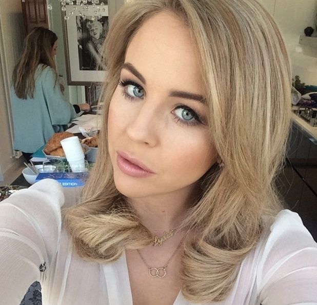Lydia Bright #MidLength #Shoulder #GL #Hairspiration