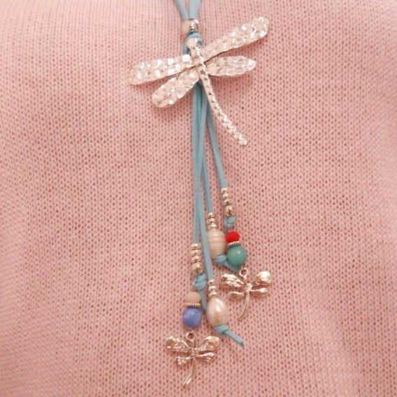 http://bisuteriademoda.es/collares-de-moda-y-colgantes-para-mujer/3239-collar-azul-aguamarina-libelula.html