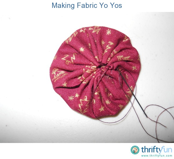 17 best images about circles on pinterest quilt shorts for Yo yo patterns crafts