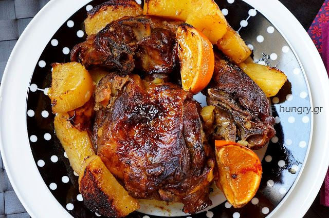 Kitchen Stori.es: Κατσικάκι στο Φούρνο με Πετιμέζι