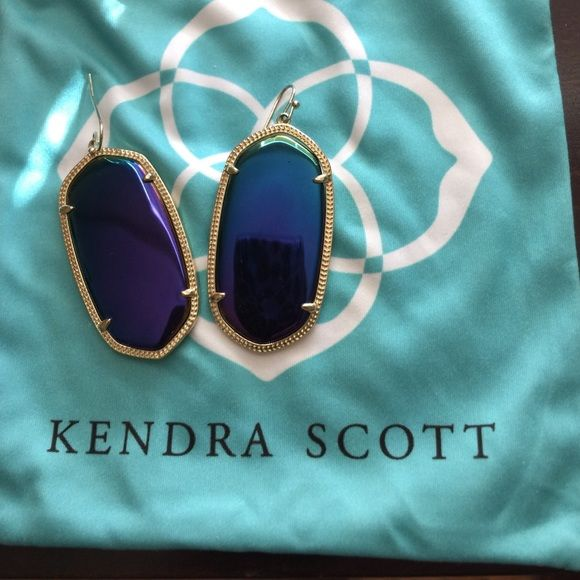 Kendra Scott Danielle earrings Worn only a few times. Great condition, minor imperfection, shown in photo. Only noticeable close up. Kendra Scott Jewelry Earrings