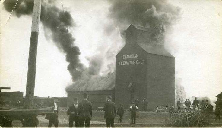 Yorkton grain elevator fire - Vintage Saskatchewan - Photos - SaskPhotos.ca