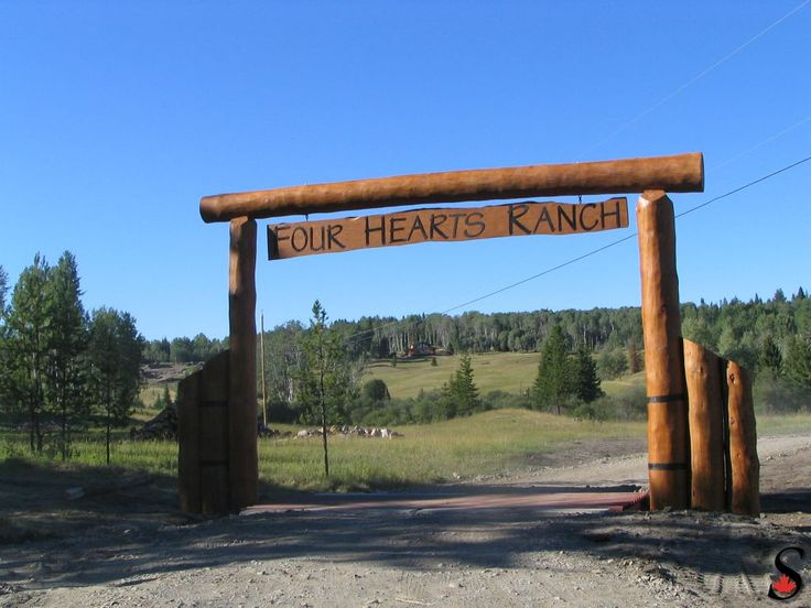 Other Log and Timber Projects Gallery/images/log-entrance-sign.jpg