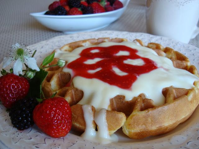 Mennonite Girls Can Cook: Waffles with Vanilla Custard Or as it's know at my house Waffles with White Sauce http://www.mennonitegirlscancook.ca/2008/06/waffles-with-vanilla-custard.html