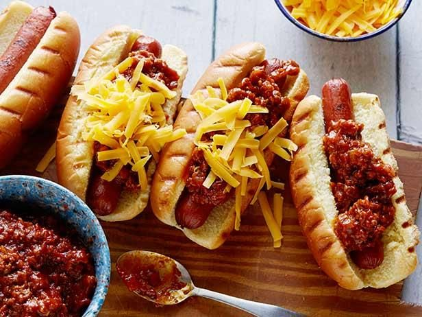 Chili Dogs done right: Tyler's homemade meaty chili is the star of his easy-to-do recipe. #RecipeOfTheDayFood Network, Chilis Recipe, Hot Dogs Recipe, Chilli Dogs, Tyler Florence, Dog Recipes, Chilis Dogs, Dogs Food, Chili Dog Recipe