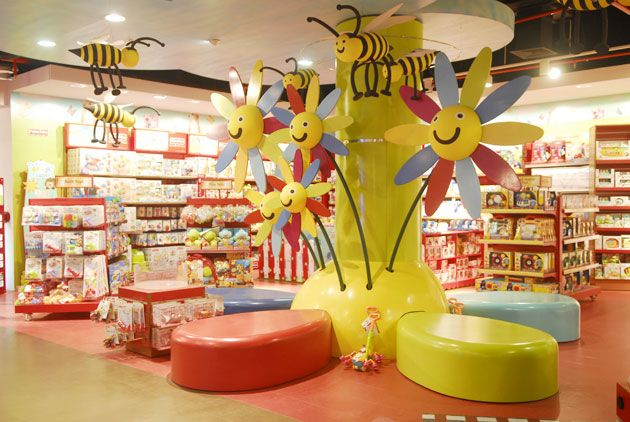 Best 25 toy store ideas on pinterest old toys kids store display and children in need - Furniture wereld counter ...