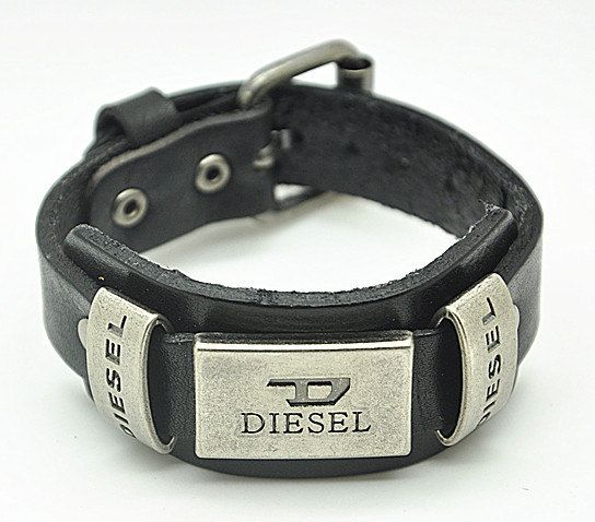bracelet en cuir noir diesel bijoux la mode. Black Bedroom Furniture Sets. Home Design Ideas