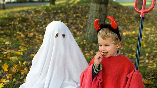 10 Easy Last Minute Halloween Costumes (No Special Skills Required)