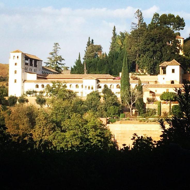 Generalife desde la terraza del Parador de San Francisco en plena Alhambra. Recomendable 100%: Juan Carlos Gómez (@jcgomvar) en Instagram.