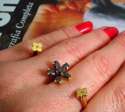 Anel duplo dourada com  florzinhas de cristais
