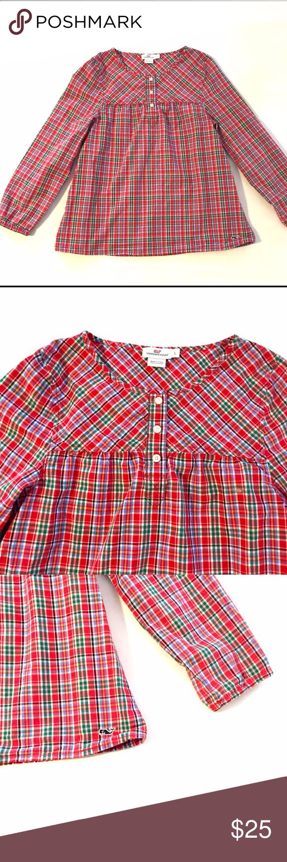 Vineyard Vines Girls Popover Size L Plaid Popover top from Vineyard Vines. Great condition! Size L Vineyard Vines Shirts & Tops