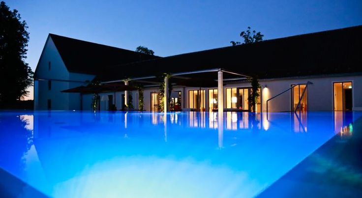 B&O Parkhotel Bad Aibling The B&O Parkhotel enjoys a picturesque setting in a beautiful park lined with ancient trees, on the outskirts of the spa town of Bad Aibling, in the foothills of the Bavarian Alps.