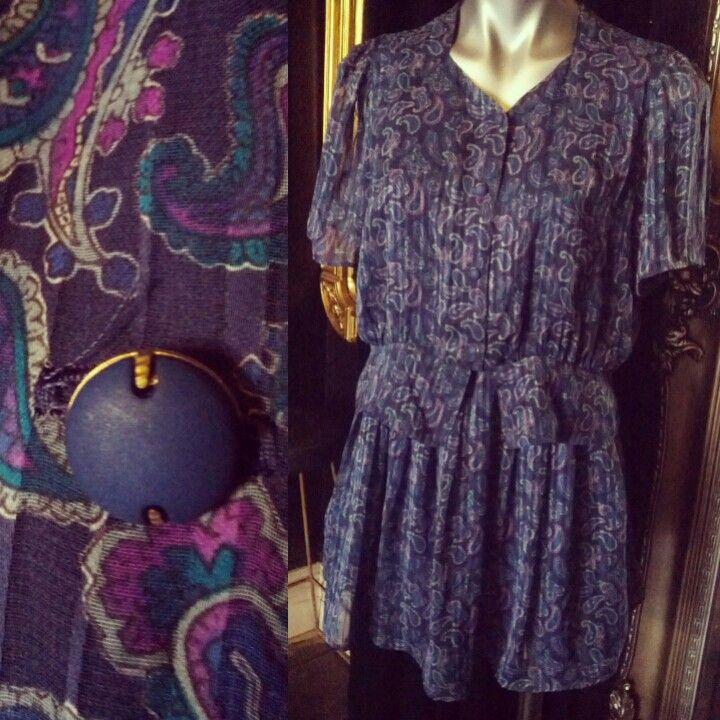 #vintage #floral and #paisley #dress $69 #vintagelove #vintagestyle #vintagelady #prettylady #prettygirl #sweet #autumn #pattern #fabric #button