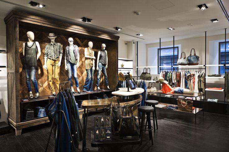 ORVETT per DIESEL / Diesel Store / Firenze (IT) / Esprimiamo i valori del vostro brand realizzando spazi iconici.
