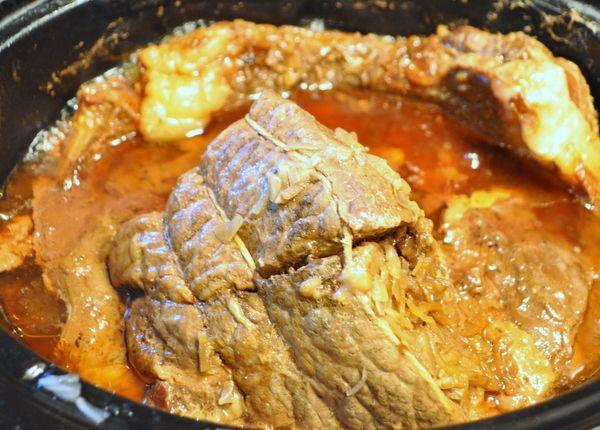 how to make gravy from roast beef in crock pot