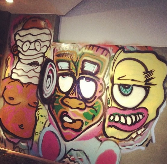 Chris Brown graffiti http://www.bubblews.com/news/467295-chris-brown039s-graffiti-on-his-house-creative-or-crappy