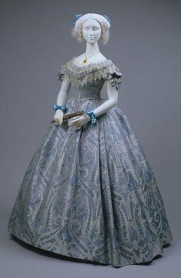 Vestido de 1860 da rainha Henrietta Maria da França,com a gola Van Dyck