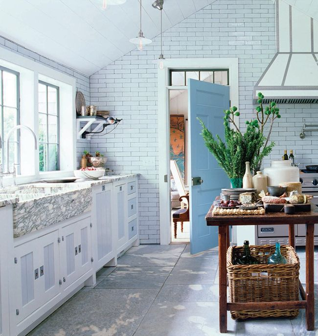 7 Kitchen Trends to Consider for your Renovations: Vintage Accents • on @SavvyHome