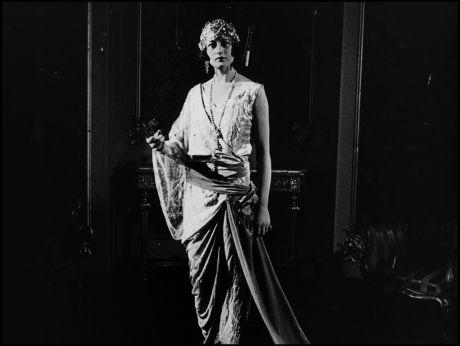 Fashion from Paris [video]  (1939) #moda #fashion #vitange