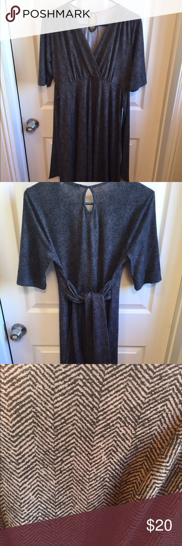Maternal America jersey maternity dress Maternal America size M (generous - will fit size L, depending on bust size) jersey stretchy dress with tie accent. Super flattering to show off that adorable bump! Easily dresses up for office or nights out, etc. Maternal America Dresses