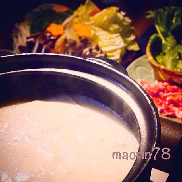 今やすぐ購入出来るようになった温泉豆腐鍋…。豚しゃぶ&牡蠣しゃぶして〆はうどんで 食べ過ぎ…ヤバいです‼️ - 74件のもぐもぐ - とろっとろ〜温泉豆腐鍋☆ by maorin78