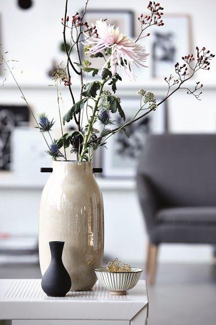 Vaas met bloemen | Vase with flowers | House Doctor