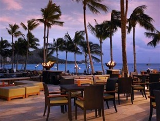 Sheraton Waikiki Hotel Hawaii is a beautiful beach front property with an indoor shopping that would make women drool.