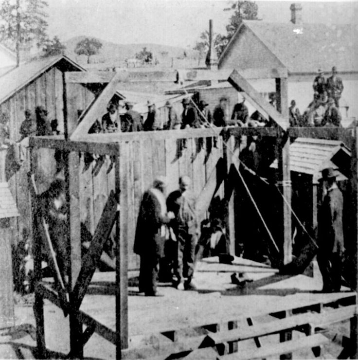 legal hanging from scaffold, frontier justice