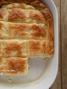 Τυρόπιτα με Ξινομυζήθρα και Μπεσαμέλ http://pepiskitchen.blogspot.gr/2017/01/tyropita-me-xinomyzithra-kai-bechamel.html