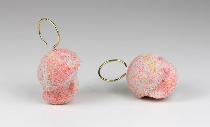 Luzia Vogt Earrings: Zucker, 2013 Wood, synthetic material, 585 gold 2 x 3.7 x 2.9 cm