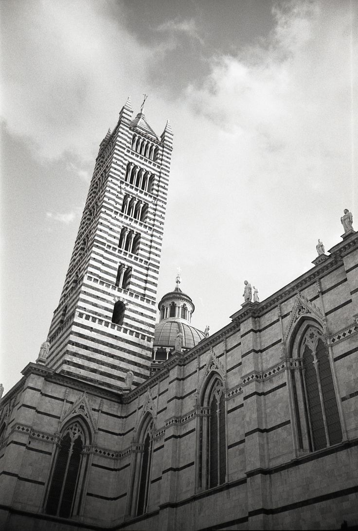 Siena – ILFORD Black and White Delta 400