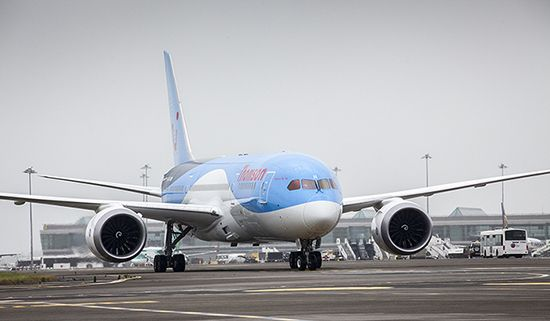 Thomson Dreamliner Lands at Dublin Airport