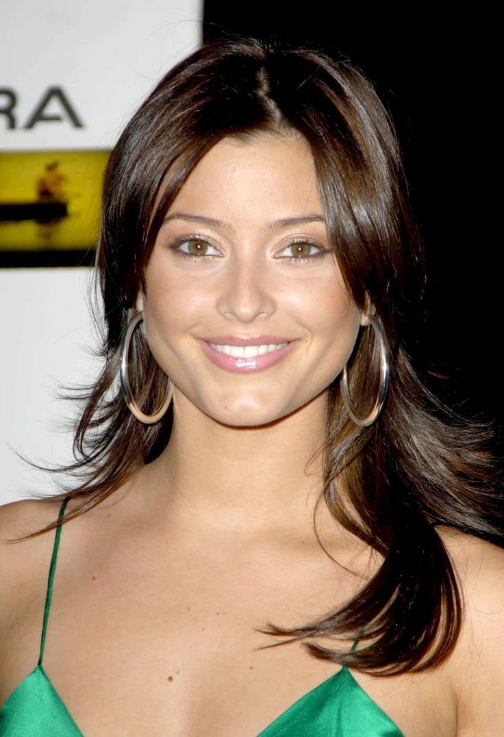 78 Best images about ★ HOLLY VALANCE ★ on Pinterest ...