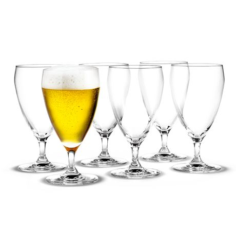 The range has a line on all its glasses – on this glass a 33-centilitre bottle of beer fills the glass precisely to its widest point. The surface is reduced as you enjoy the beer. This means that you get the greatest pleasure out of the beer because it will never seem flat or lifeless. #holmegaard #perfection #beerglass