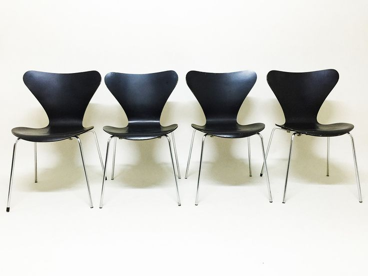 Black Butterfly Chairs by Arne Jacobsen for Fritz Hansen 1974