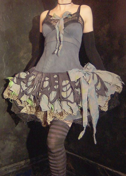 I love wearydrearies clothing but find no reason to buy or wear any of it. :\