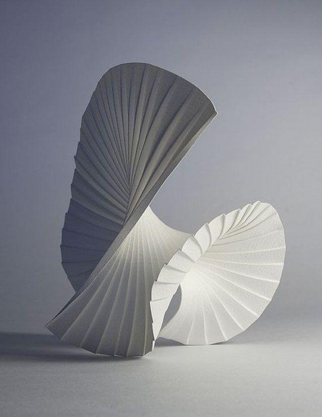 motion pleat 2010 paper art sculptures by richard sweeney sculpture pinterest sculpture. Black Bedroom Furniture Sets. Home Design Ideas