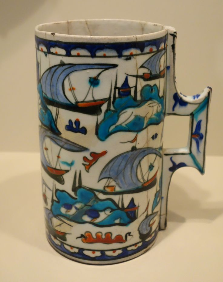 http://upload.wikimedia.org/wikipedia/commons/b/b4/Tankard_with_lateen-sailed_boats_and_islands%2C_Iznik_ware%2C_Turkey%2C_Iznik%2C_Ottoman_...
