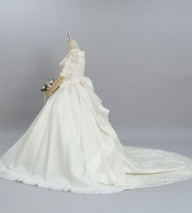 レンタルウェディングドレス「オフバックプリーツフリル」