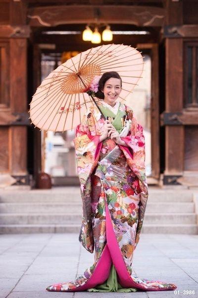 古風なお姫様風♡和装ウエディングは色打掛で新しくてトクベツな私を披露したい!にて紹介している画像