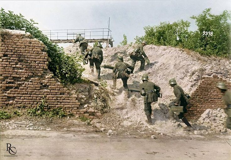 A German MG 08 machine gun section advances up an embankment on the Montdidier - Noyon sector of the front during Operation Gneisenau, 8-14 June 1918. Operation Gneisenau, also known as Battle of the Matz, was the fourth German Offensive, part of Germany's 'Kaiserschlacht', the last all-or-nothing effort to win the war in the spring of 1918. Warned in advance, the Allies put up a defense in depth that rendered the German preliminary bombardment ineffective.