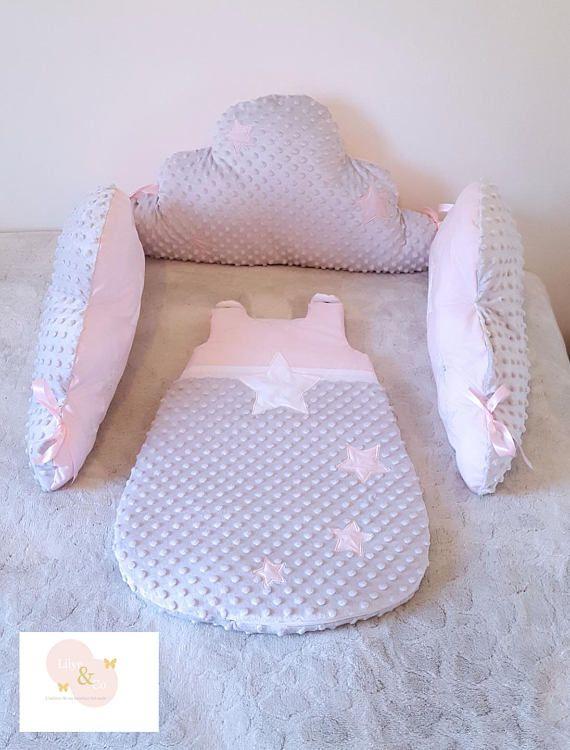 Tour de lit coussin nuage gris clair et rose, thème étoile ...