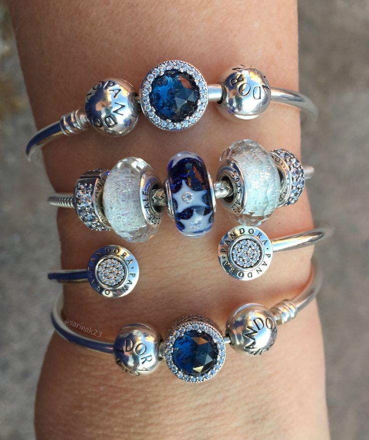 The new Starry Night Murano Glass bead is one of my new favourites! Love this Pandora Winter 2016 Collection❄️