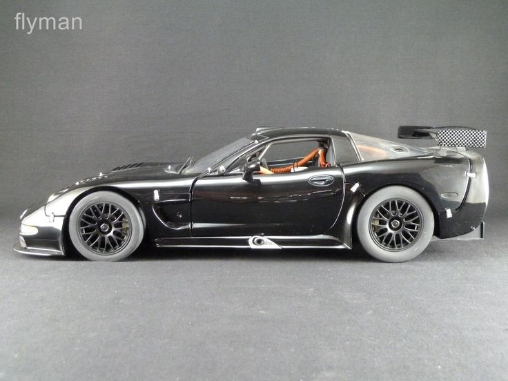 GMP 1200708 - 1:12 - Chevrolet Corvette C5-R in schwarz