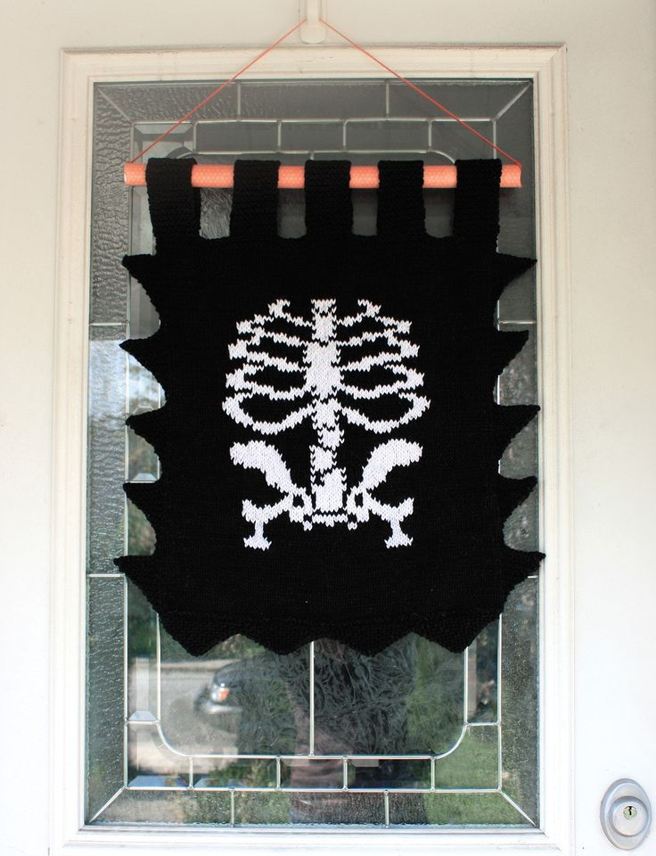 Skeleton Banner - Free Knit Patterns   Yarnspirations