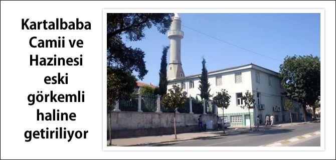 Üsküdar'ın Nuhkuyusu Caddesi'nde bulunan tarihi Kartalbaba Camii ve türbesi Üsküdar Belediyesi'nin katkıları ile yeniden inşa ediliyor.